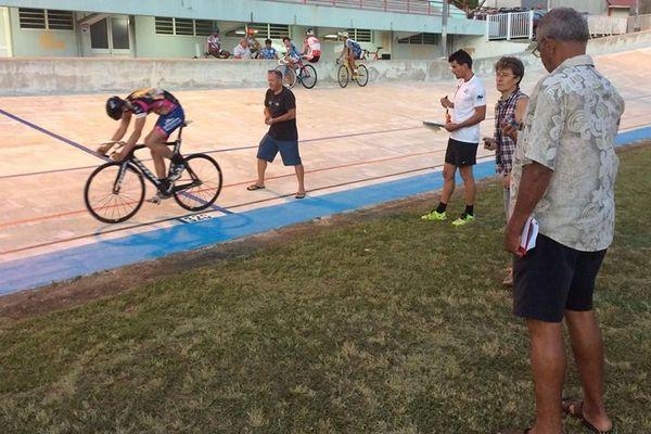 Sur le vélodrome de Magenta, cadets et junior sont testés en vue d'une intégration au pôle océanien de piste de Hyères.