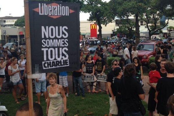 Attentat Charlie Hebdo : 400 personnes rassemblées à Papeete
