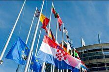 Le Parlement européen représente les 512 millions de citoyens européens. Il est aujourd'hui l'unique institution européenne dont les membres sont directement élus au suffrage universel direct, tous les cinq ans.