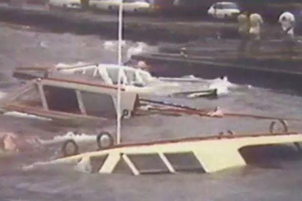 Le port de Papeete, Tahiti, pendant les cyclones en 1983