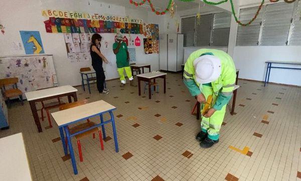Aménagement classes école La Lézarde Petit-Bourg, déconfinement