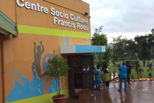 Centre socioculturel Francis Rossi lors du vote aux municipales, mars 2020