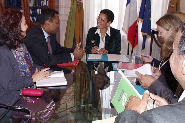 Tearii Alapha discute du logement et du foncier à Paris