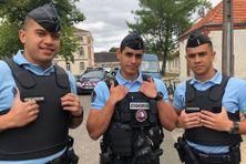Ulrich Tagisia, Alexandre Kakue et Jorris Meindu viennent de terminer leur formation à l'école de gendarmerie de Fontainebleau.