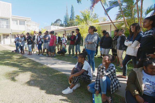 rencontre lycéens Baise Pascal et Do Kamo