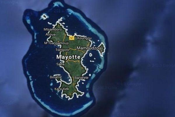 Un homme poignarde sa mère à Mayotte