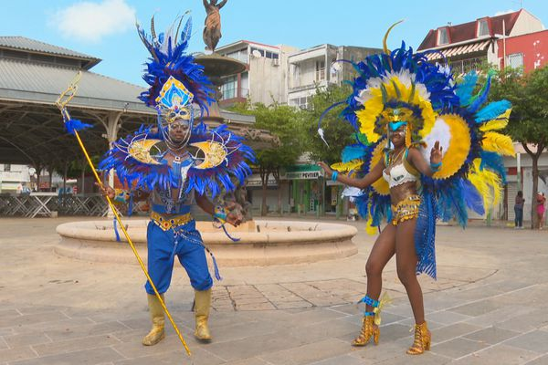 Passionnés de carnaval Xavier Albert POTO (groupe Origin'all) Maité MIRABEL