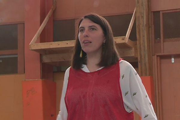 """""""La carte postale nous a plu"""" : Élodie Coquelle, nouvelle directrice de la Maison des Loisirs à Miquelon"""