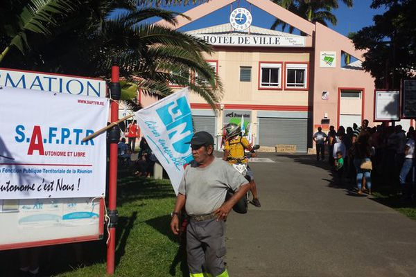 Grève personnel mairie La Possession