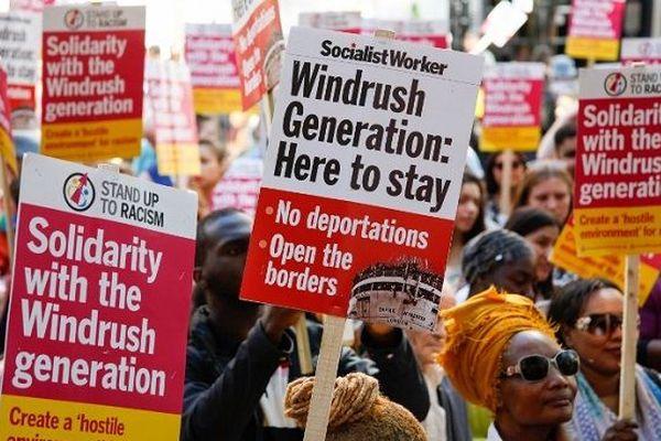 Manifestation en solidarité à la génération Windrush