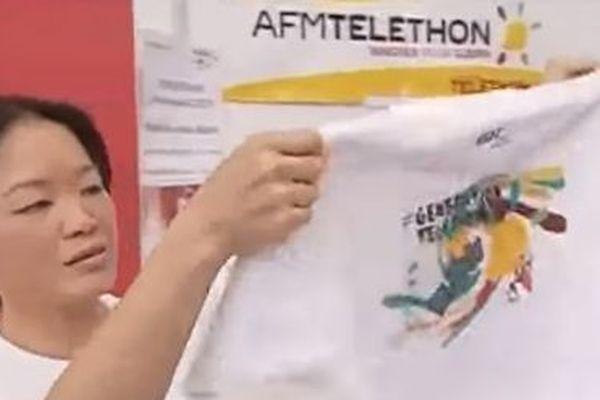 La vente de Tee shirts contribue aussi à la recette du Téléthon