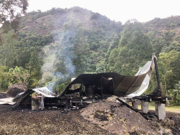 Incendie bungalow Sarraméa
