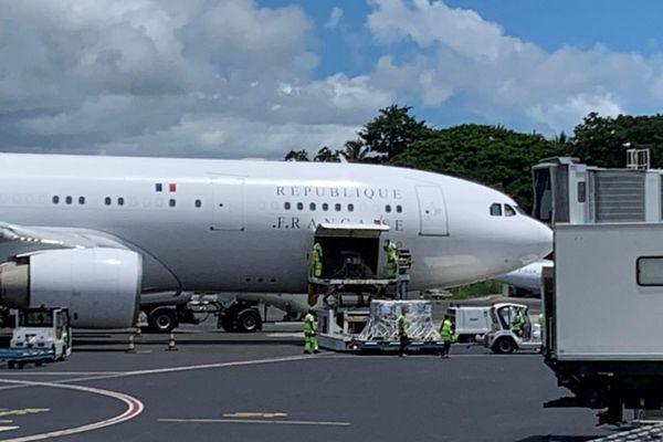 L'avion présidentiel avec le matériel médical pour Mayotte
