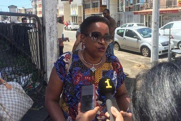 Catherine Léo, la conseillère territoriale en charge de la santé en visite dans les anciesn locaux de la CGSS