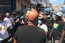 Mobilisation de l'UGTG devant le commissariat de Basse-Terre