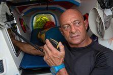 Pascal Tesniere (bateau Charlotte), épuisé physiquement, a abandonné la dure épreuve de Rames Guyane le 28 octobre 2014, après dix jours de course.