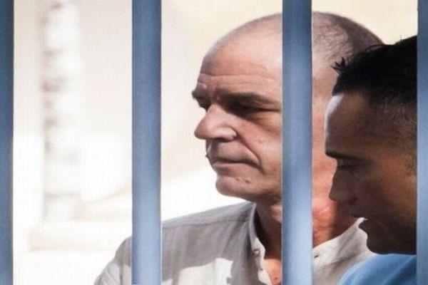 Cayenne (Guyane) - Patrick Melara arrive au tribunal - 13 novembre 2012