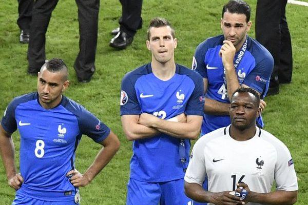 La tristesse de Dimitri Payet à la fin du match Portugal-France