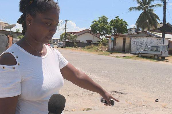 Une jeune fille agressée a coups de couteau