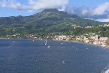 La montagne Pelée vue de Saint-Pierre.