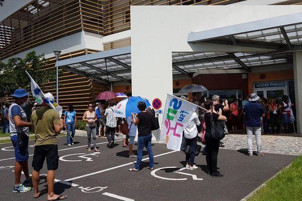 Mobilisation enseignants devant rectorat