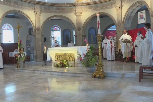 évêques à Basse-Terre