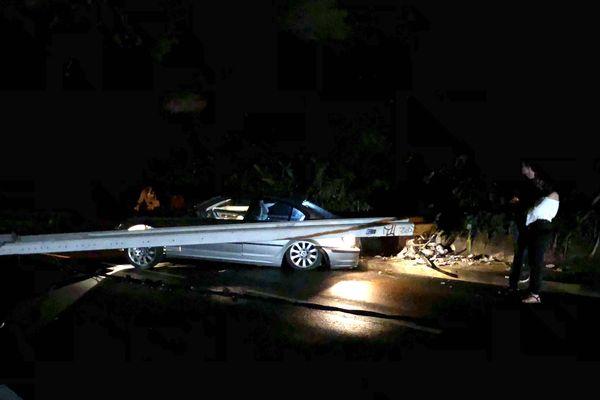 Accident voiture contre lampadaire à al Vallée-des-Colons, rue Benebig, 23 juin 2018