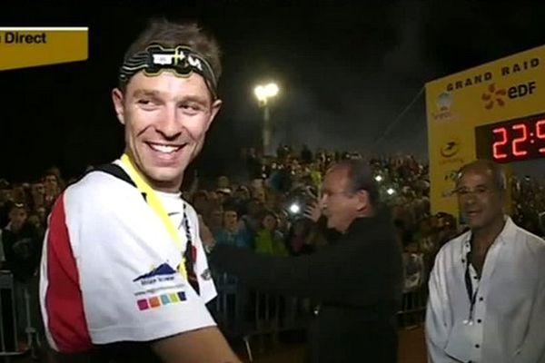 Arrivée de Francois Dhaene, le vainqueur du Grand Raid 2013