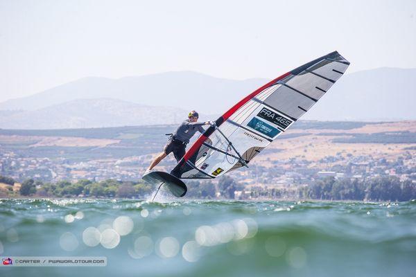 Nicolas Goyard en coupe du monde de windsurf sur le lac de Tibéride