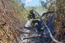 Les feux de broussailles, des interventions souvent à haut risque pour les pompiers