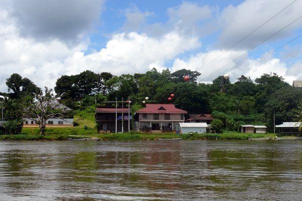 Le bourg de Camopi