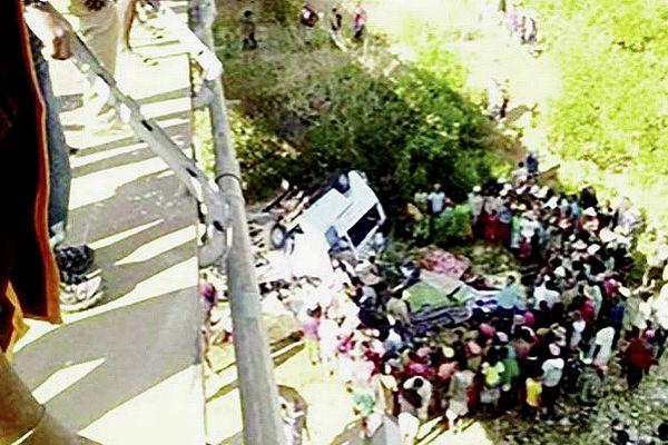 Accident mortel à Madagascar sortie de route d'un taxi-brousse 11 morts