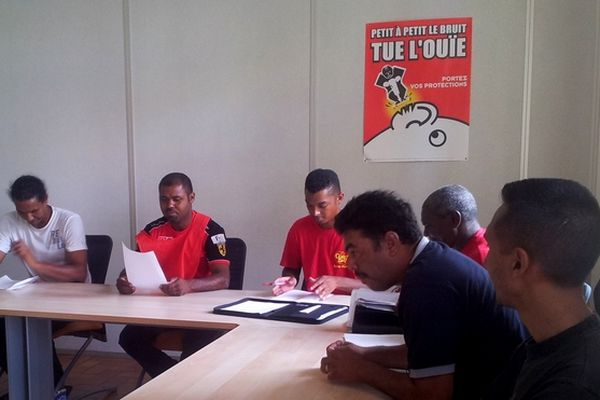 Grévistes de Citroën en réunion de médiation à la DIECCTE