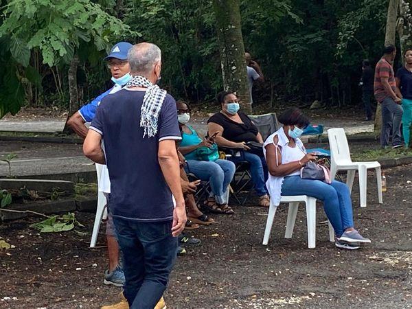 Piquet de grève anti obligation vaccinale, au CHU