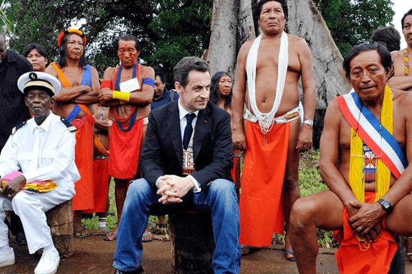 Nicolas Sarkozy à Camopi en 2008.