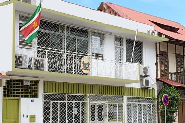 Le consulat du Surinam avenue Léopold Héder à Cayenne