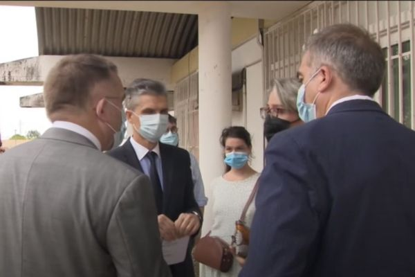 Santé : ouverture du premier centre de vaccination au Centre Hospitalier de Cayenne
