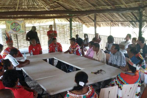 Les chefs coutumiers de Guyane