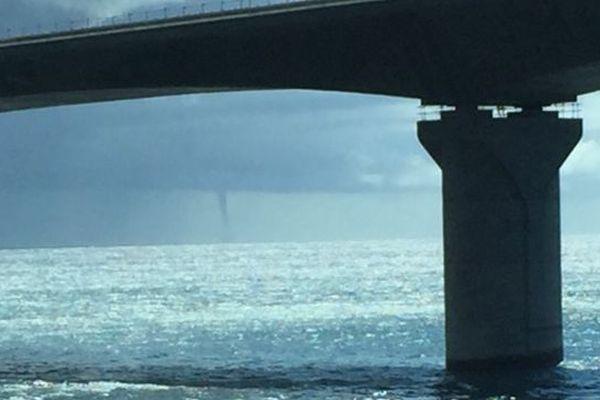 Une trombe marine photographiée dans l'Ouest de La Réunion