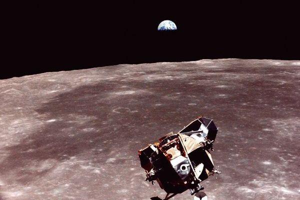 Apollo XI sur la lune
