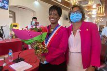 Passation de témoin entre Marie-Laure Phinéra-Horth et Sandra Trochimara nouveau maire de Cayenne