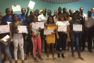 """Les jeunes diplômés du Village chinois récompensés par l'association """"Les Frères de la Crik"""""""