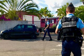 Des vacances sous haute surveillance à La Réunion.