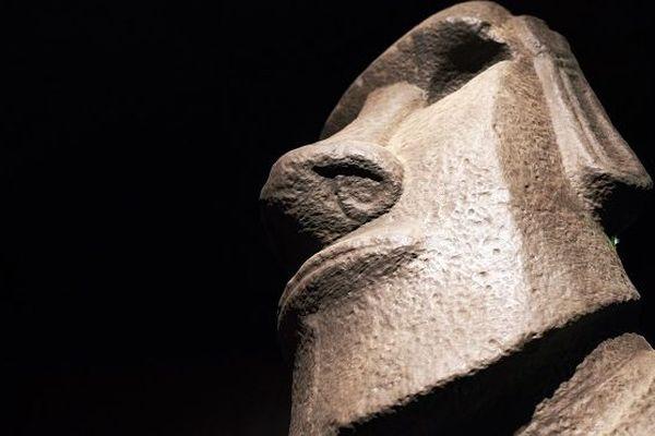 Réplique d'une statue Moai