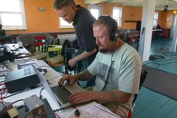 Une équipe de radioamateurs installée à l'île aux Marins
