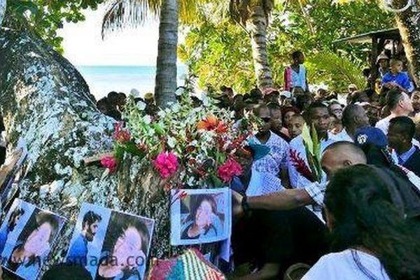 Hommage aux jeune couple de français tués à Sainte-Marie