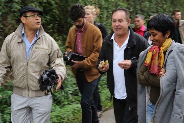 Ericka Bareigts (à droite) en visite dans le Cantal avec l'association Génération brisée