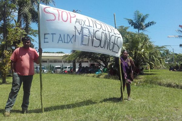 Mobilisation du 26 novembre 2018 devant la mairie de Kouaoua