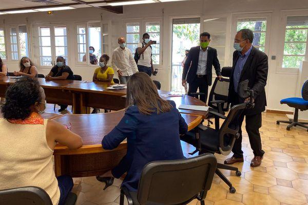 Le maire de Sainte-Marie a reçu la CNL et des habitants de la résidence Flacourt