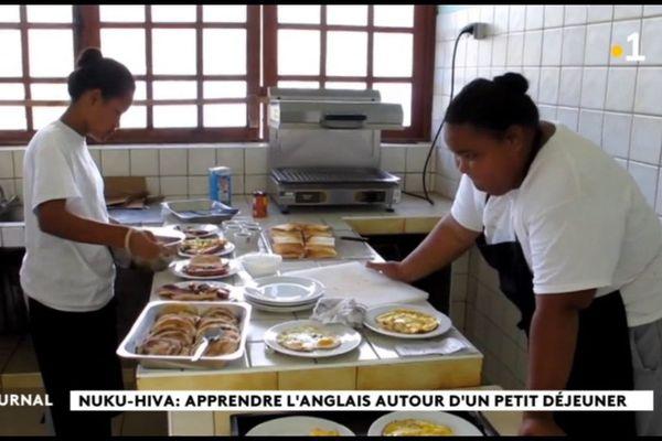 Petit déjeuner à l'anglaise au CETAD de Nuku Hiva